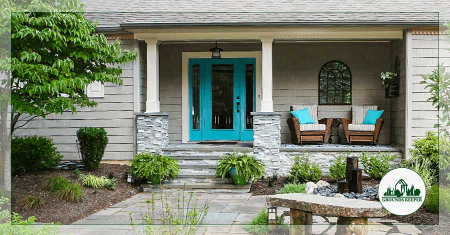 How To Create A Welcoming Front Yard Living Space